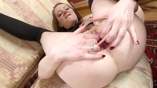 Making Samantha's holes gape
