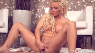 Blonde Barbie Squirts Buckets