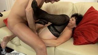 Helena provides man with hard mature fuck