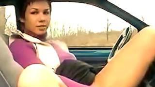 Geile Mutti im Auto Gefickt
