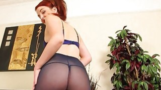 Sexy redhead and her tasty ass
