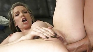 Cutie thrills dude with explicit anal riding