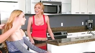 Teen Lolo Punzel lickd by stepmoms milf friend Parker Swayze