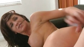 Glamorous beauty has pretty fuck holes for playing