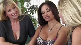 Horny trio of cougars share long dong on couch